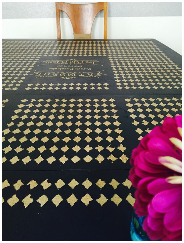 DIY Home Sloan dining room table stencil with chair