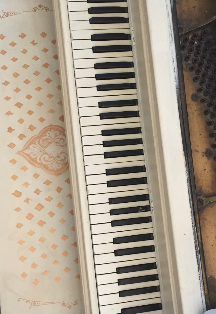 painted piano annie sloan paint