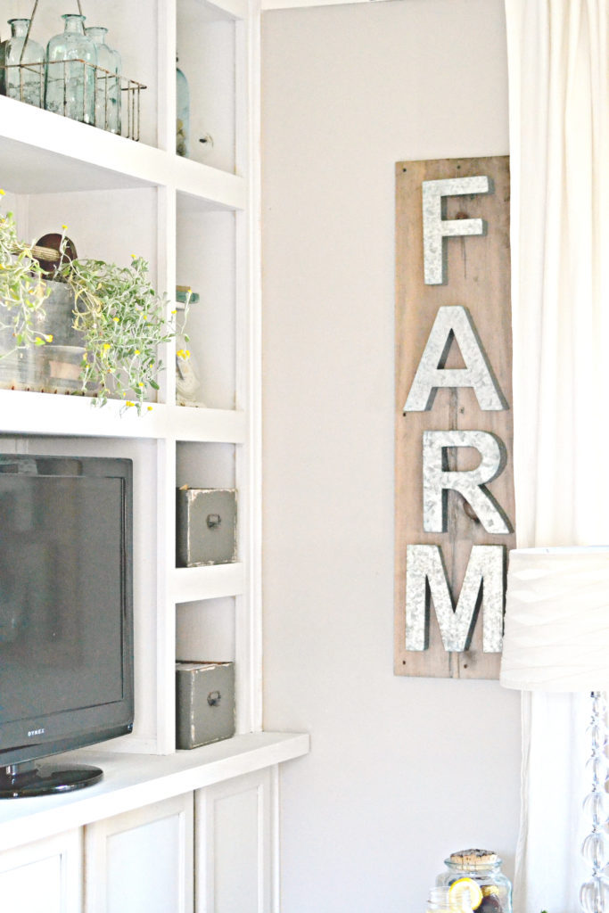 Easy-farmhouse-wall-decor.-Metal-Letter-sign-is-5-minutes-1-1-683x1024